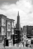 Transamerica金字塔在街市的旧金山 图库摄影