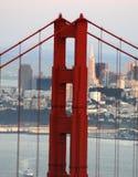 transamerica пирамидки строба моста золотистое Стоковое Изображение RF