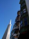 Transamerica, das San Francisco errichtet Lizenzfreie Stockfotografie