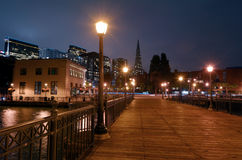 Transamerica ostrosłup przy nocą w San Fransisco, CA Fotografia Stock