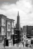 Transamerica-Pyramide in San Francisco im Stadtzentrum gelegen stockfotografie