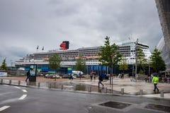 Transatlantisk haveyeliner RMS Queen Mary 2 Royaltyfri Bild