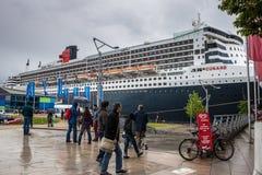 Transatlantycki oceanu liniowiec RMS Queen Mary 2 Obrazy Royalty Free