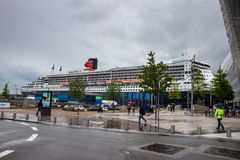 Transatlantycki oceanu liniowiec RMS Queen Mary 2 Obraz Royalty Free