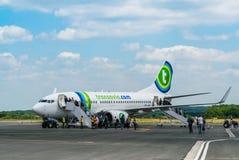 Transavia Boeing 737-700 på den Bergerac flygplatsen Fotografering för Bildbyråer