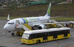 Transavia-Flugzeuge an Madeira-Flughafen lizenzfreies stockbild