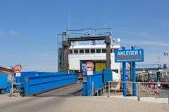 Transbordador al puerto de Emden Imágenes de archivo libres de regalías