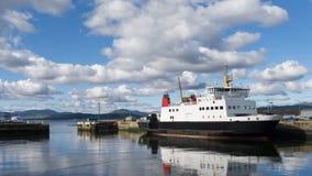 Transbordador de coche escocés de la isla Imagenes de archivo