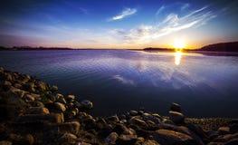 Transbordador de Egholm Dinamarca de la puesta del sol Fotos de archivo libres de regalías