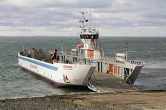 Transbordador de Fueguino en Bahia Azul, Chile Imagen de archivo