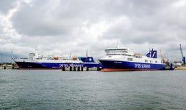 Transbordador de la carga de las vías marítimas de DFDS Foto de archivo