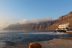 Transbordador del puerto, Santorini Imagen de archivo libre de regalías