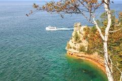 Transbordador en el castillo de los mineros - rocas representadas, Michigan Foto de archivo