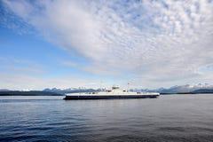 Transbordador en el fiordo Imágenes de archivo libres de regalías