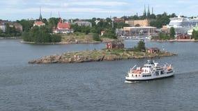 Transbordador en el puerto de Helsinki Finlandia almacen de metraje de vídeo