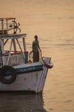 Transbordadores coloridos cerca de la entrada a la India Imagen de archivo libre de regalías