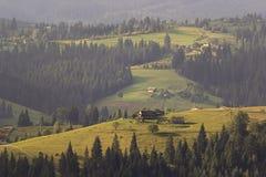 transcarpathian ukraine för carpathian för crossingintermountainliggande region för berg sikt Royaltyfria Foton