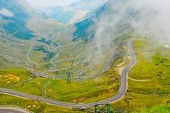 transfagarasan carpathians的路 库存图片