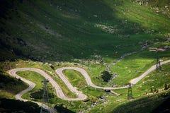 Transfagarasan, den stenlade bergvägkorsningen Carpathiansna och förbindande Transylvania och Wallachia regioner i Rumänien Royaltyfri Fotografi