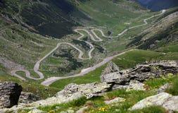 Transfagarasan, den stenlade bergvägkorsningen Carpathiansna och förbindande Transylvania och Wallachia regioner i Rumänien Royaltyfria Foton