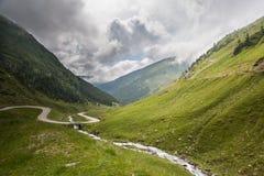 Transfagarasan, a estrada a mais famosa em Romania imagens de stock royalty free