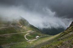 Transfagarasan, a estrada a mais famosa em Romania fotos de stock royalty free