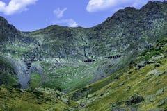 Transfagarasan la route la plus célèbre en montagnes de Fagaras de la Roumanie Photographie stock