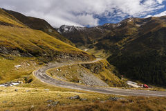 Transfagarasan - strada famosa della montagna nelle alpi di Transylvanian Fotografia Stock Libera da Diritti