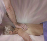 Transferência de energia durante a massagem Fotografia de Stock