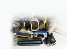 Transferência do poder e de dados Uma enorme quantidade de várias tomadas para dispositivos eletrónicos imagem de stock royalty free