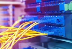 Transfert de données par à fibre optique photographie stock