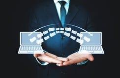 Transfert de fichier de carnets Concept d'échange de l'information images libres de droits
