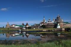 Transfiguração do monastério de Jesus Christ Savior Solovetskiy em ilhas de Solovki (arquipélago de Solovetskiy) no mar branco, R Imagens de Stock