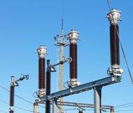 Transformador corriente de alto voltaje de la subestación eléctrica imagenes de archivo