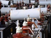 Transformateurs de l'électricité utilisés dans l'usine d'hydroélectricité de stockage Image stock