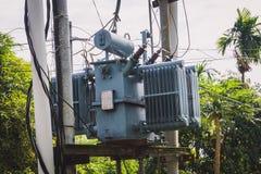 Transformator auf dem Pfosten Stockfotografie