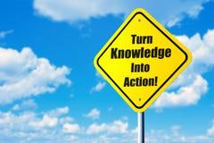 Transforme o conhecimento na ação foto de stock