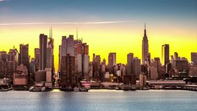 Transições de Manhattan do Midtown da noite ao dia filme