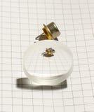 Transistor eletrônico e sua opinião através da lente imagens de stock royalty free
