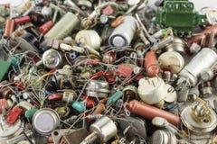 Transistores retros, resistores, backgraund de radio de las piezas imagen de archivo libre de regalías