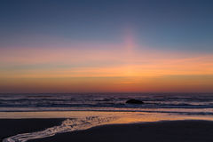 Transitoire de Sun sur la côte de l'Orégon photo stock