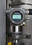 Transmetteur de pression dans le processus de pétrole et de gaz photographie stock