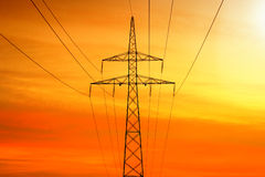 Transmisión de la corriente eléctrica Fotos de archivo