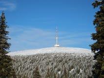 Transmisor en las montañas Fotografía de archivo
