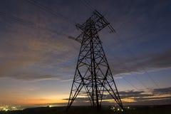 Transmissão e distribuição interurbana do conce da eletricidade fotografia de stock