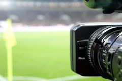 Transmissão em direto de um fósforo de futebol Imagem de Stock