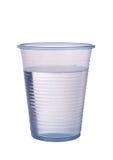 Transparante blauwe plastic die kop van water over wit wordt geïsoleerd stock afbeeldingen