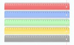 Transparante multi-colored plastic geplaatste heersers Stock Foto