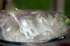 Transparente Blöcke des Eises Stockbilder