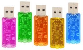 Transparente Mehrfarben-USB-Einheiten getrennt Stockfotos